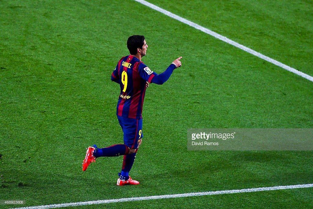 Suarez at Camp Nou celebrates goal