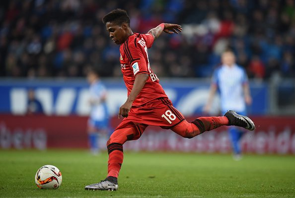 SINSHEIM, GERMANY - JANUARY 23: Wendell of Leverkusen controls the ball during the Bundesliga match between 1899 Hoffenheim and Bayer Leverkusen at Wirsol Rhein-Neckar-Arena on January 23, 2016 in Sinsheim, Germany. (Photo by Matthias Hangst/Bongarts/Getty Images)