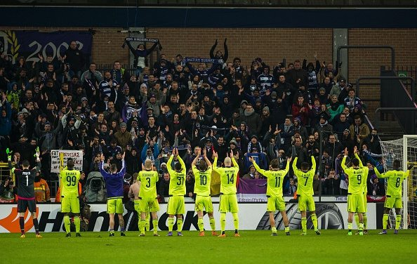 Anderlecht's players celebrate after winning their UEFA Europa League football match against Olympiacos FC on February 18, 2016 in Brussels. / AFP / BELGA / LAURIE DIEFFEMBACQ / Belgium OUT (Photo credit should read LAURIE DIEFFEMBACQ/AFP/Getty Images)